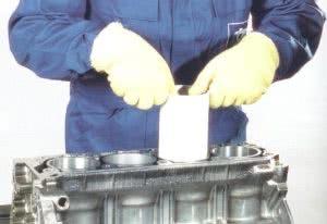 Установка гильз в блок цилиндров
